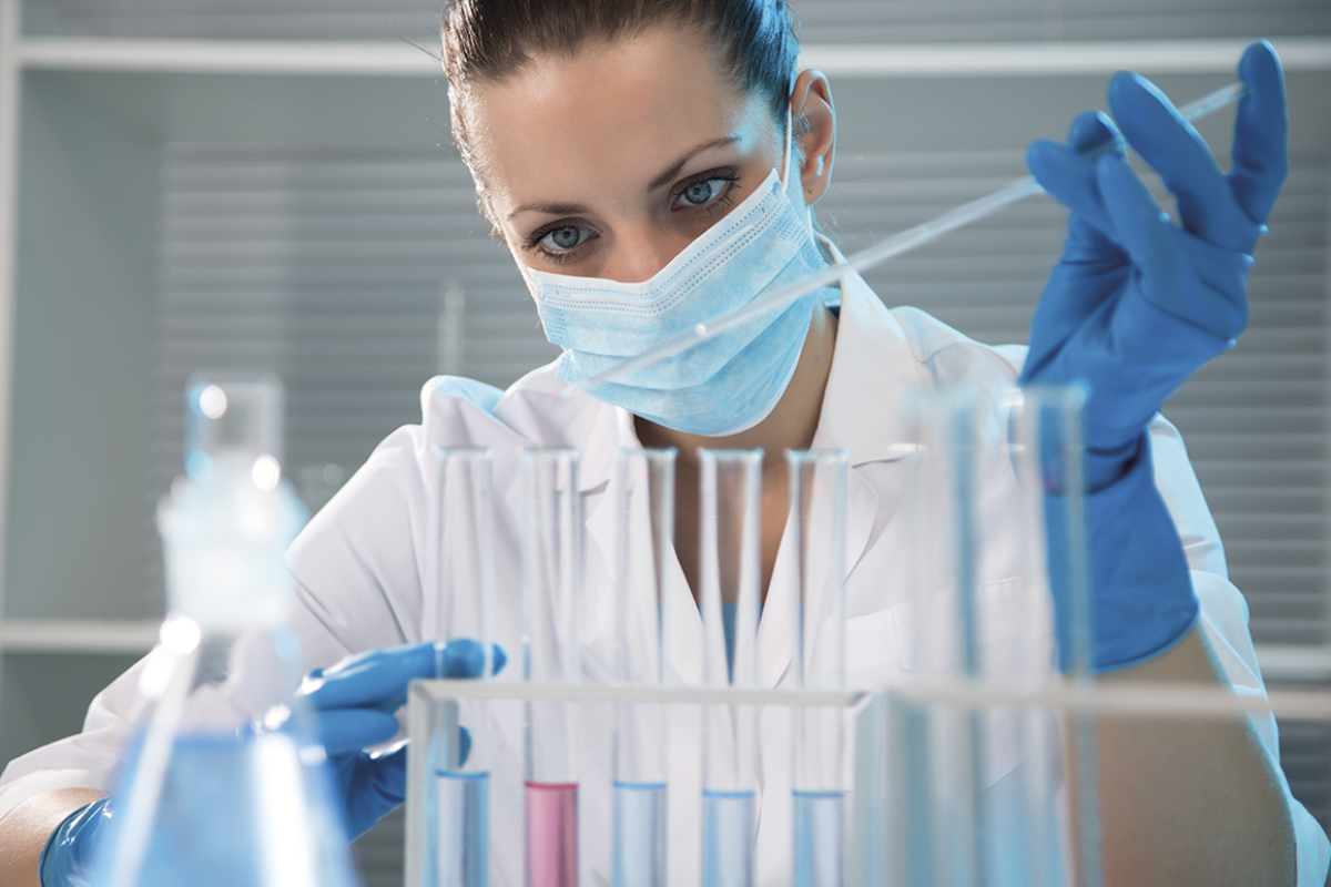 Biotecnóloga lab