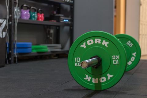 Los 8 principales beneficios de entrenar con pesas